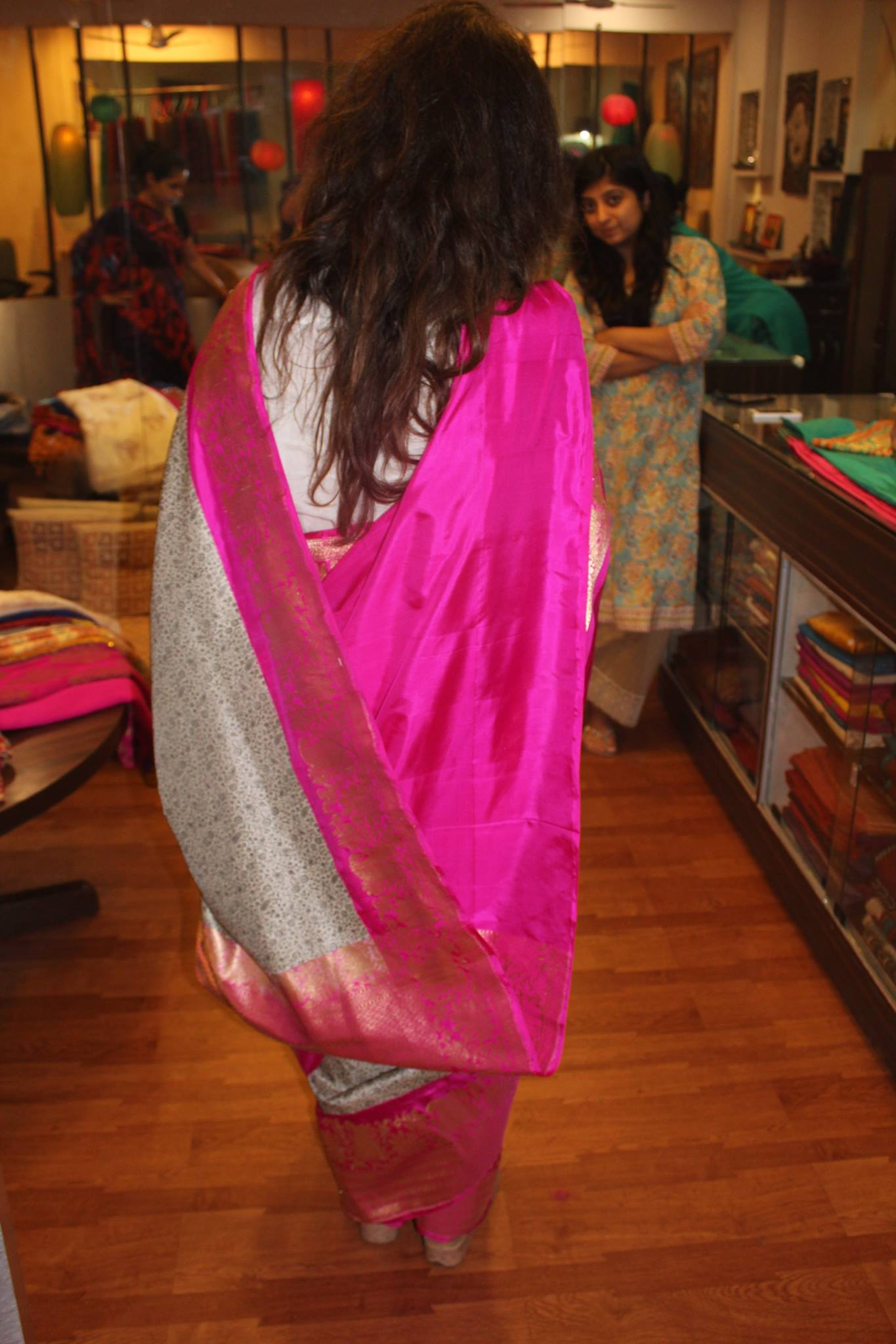 A beautiful Tanchoi saree, bought to you by Vibhuti Sarees in Noida or online