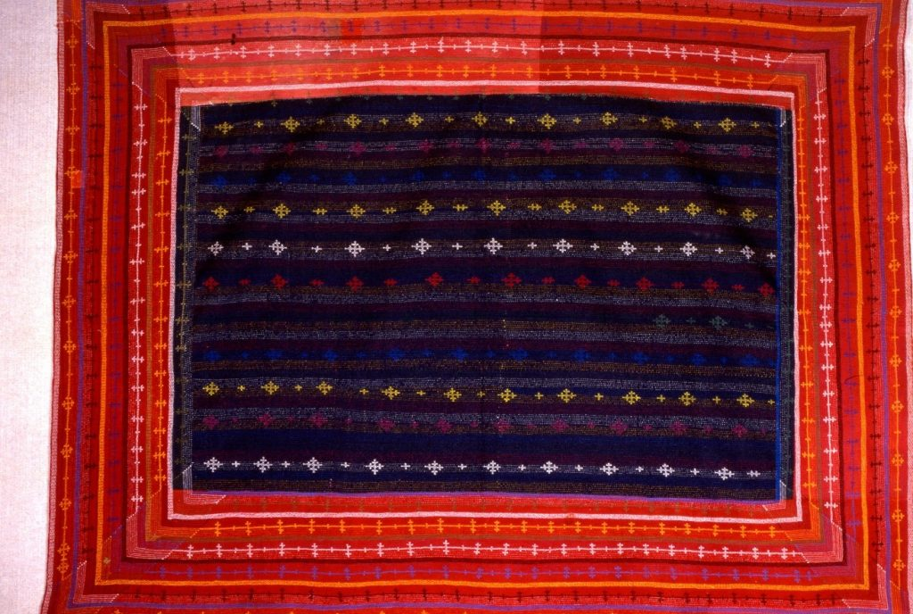 embroidered_ralli_quilts