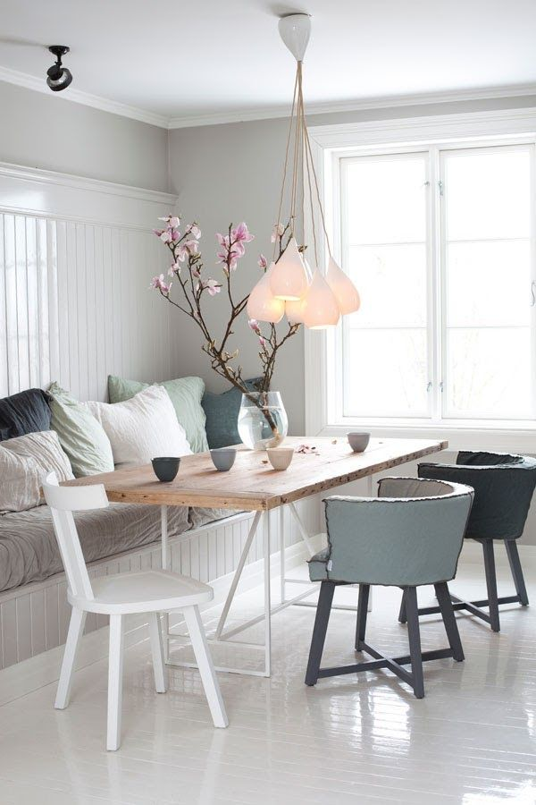 Dining - the Norwegian way and with an upcycled table via