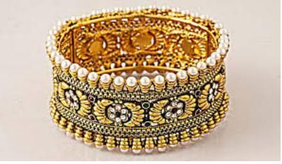 mantasha-gold-bangle-with-pearls-bengal