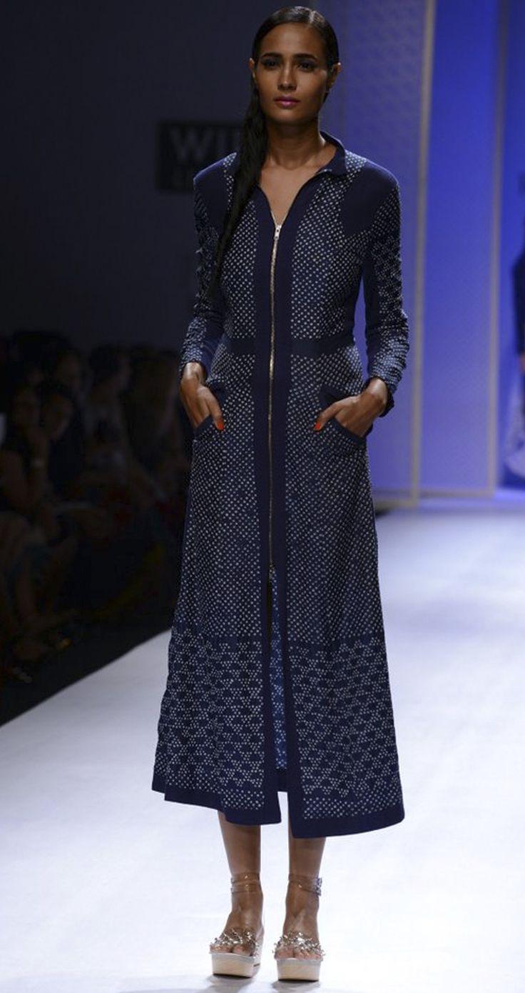 Elegance with 'Bandhej' ; a creation of Rahul Mishra via