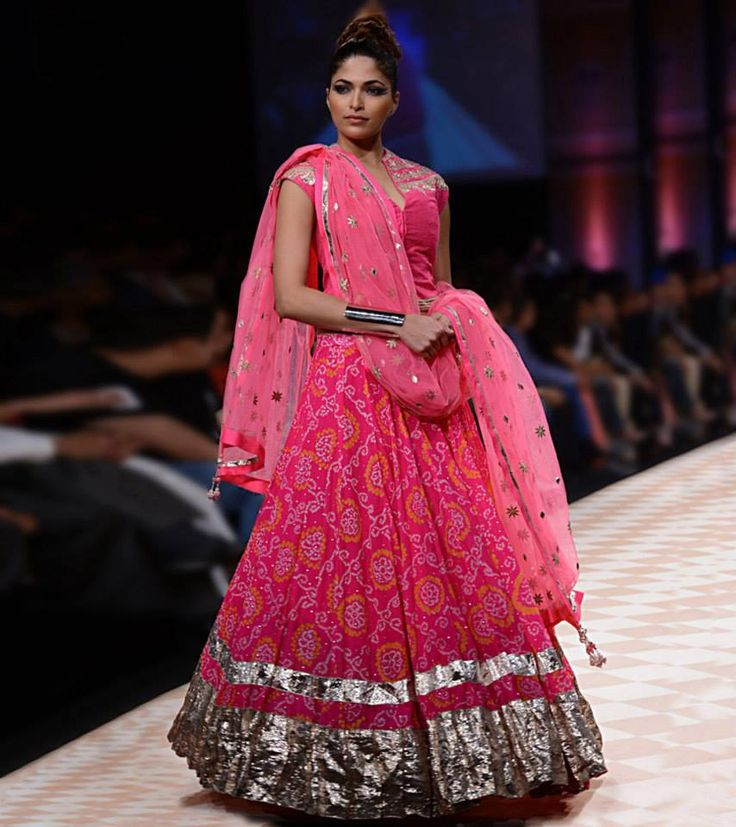 A 'Jaipur' bride in 'Bandhej' by Anita Dogre via