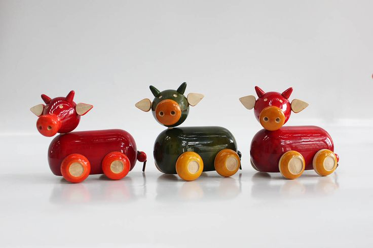 channapatna-toys-cows