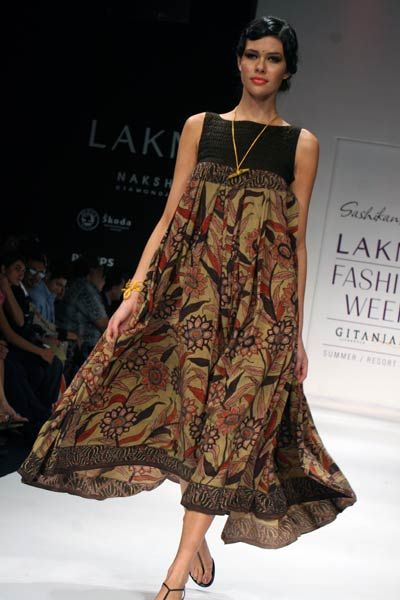 Stunning summer dress with a Kalamkari print ... via