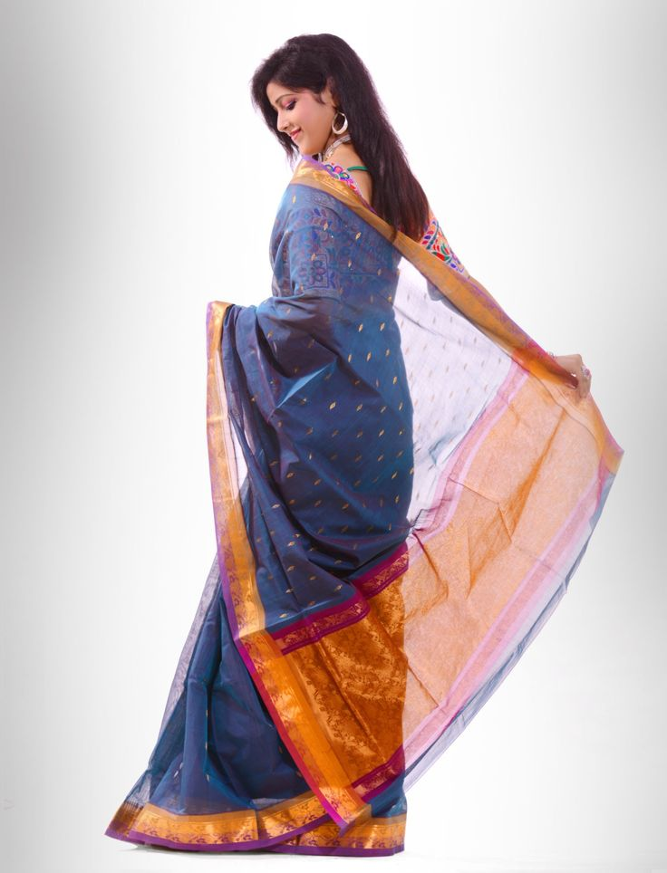via http://www.shatika.co.in/south-indian-handloom/venkatagiri-sarees/ijaya-zari-booti-pure-cotton-saree-from-venkatgiri.html