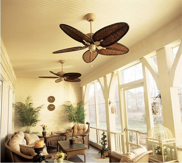 Ceiling fands in a variety of finishes