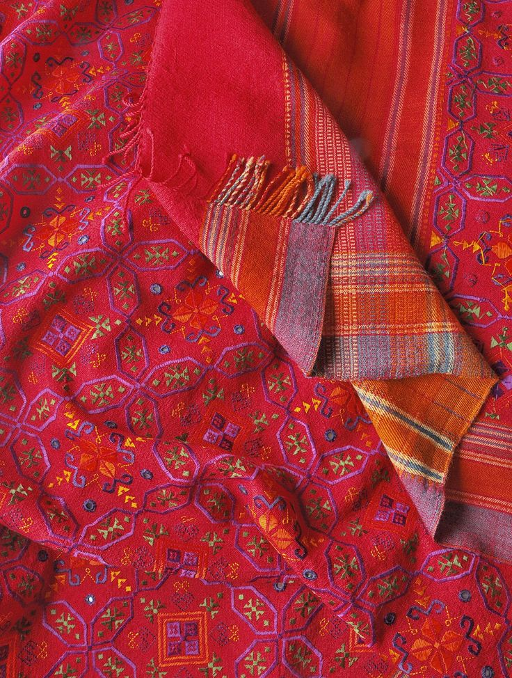 red-soof-embroidered-shawl-kutch