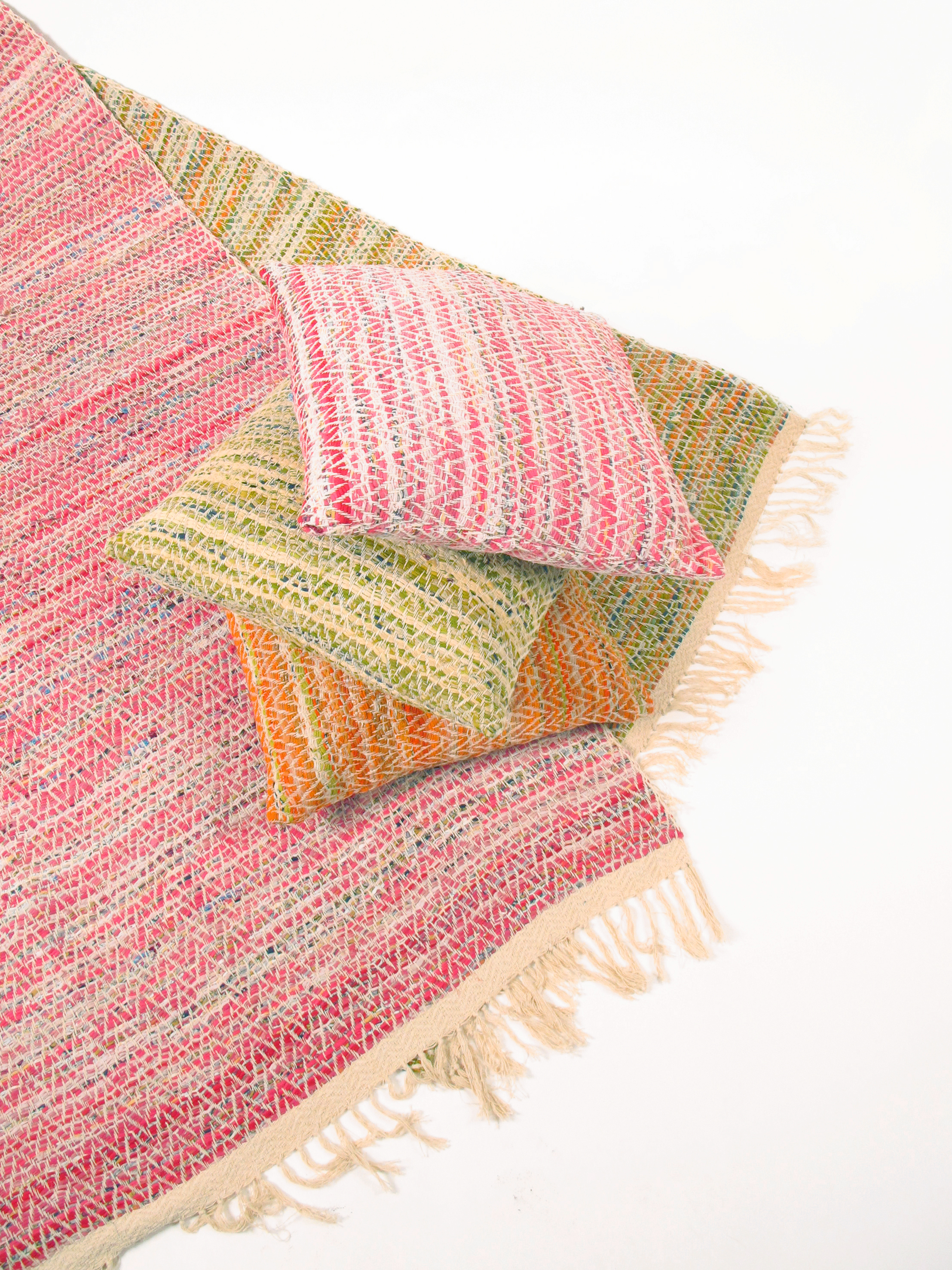 rugs, home, cushions, handmade, crafts, NGO, women, india